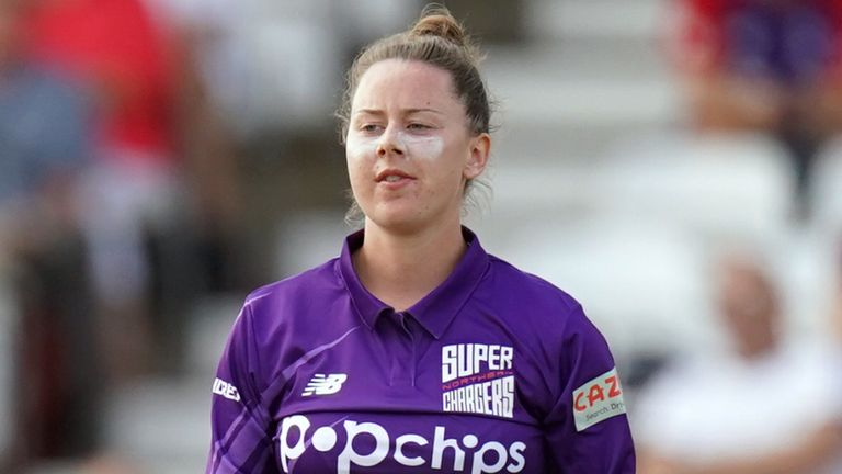English spinner Linsey Smith has been signed by Melbourne Stars for the WBBL