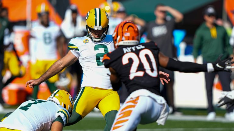 The Green Bay Packers and the Cincinnati Bengals missed five straight field goals in a crazy finish that went deep into overtime